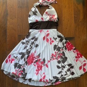 3/$15 Beautiful halter floral dress